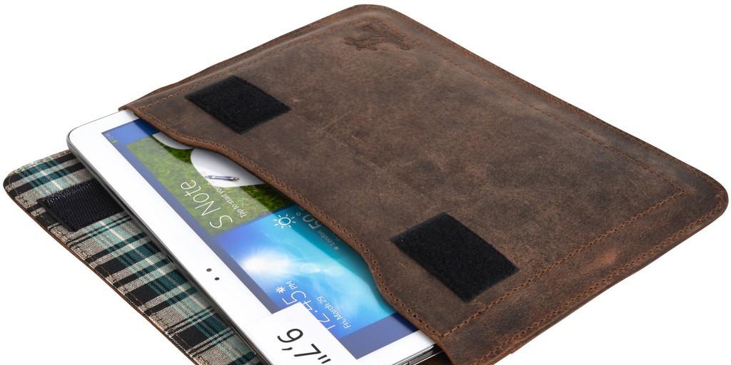 Ledergravur_tablet_tasche - 10 Weihnachtsgeschenkideen, die garantiert gut ankommen