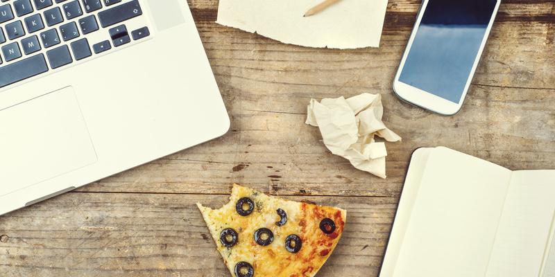 """5 typische """"Lebensmittel"""" im Leben eines Gründers - StartupBrett"""