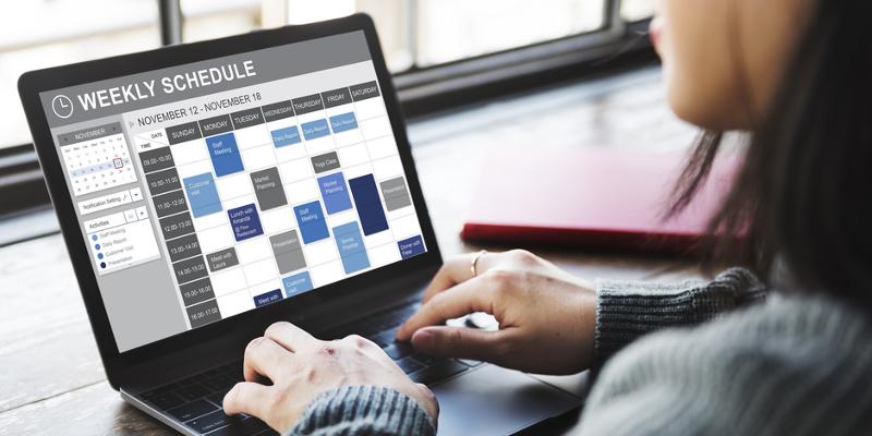 Warum du einen Social Media Redaktionsplan erstellen solltest und wie er aussehen könnte. Vorlagen. StartupBrett