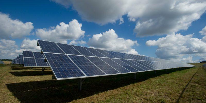 Warum KMU in erneuerbare Energien investieren sollte